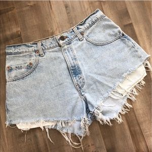 Distressed Light-wash Levi Shorts, Size 33